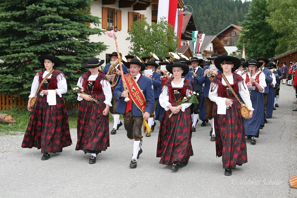 MK-Elbigenalp-beim-Bezirksmusikfest-in-Weissenbach-2010-272.jpg