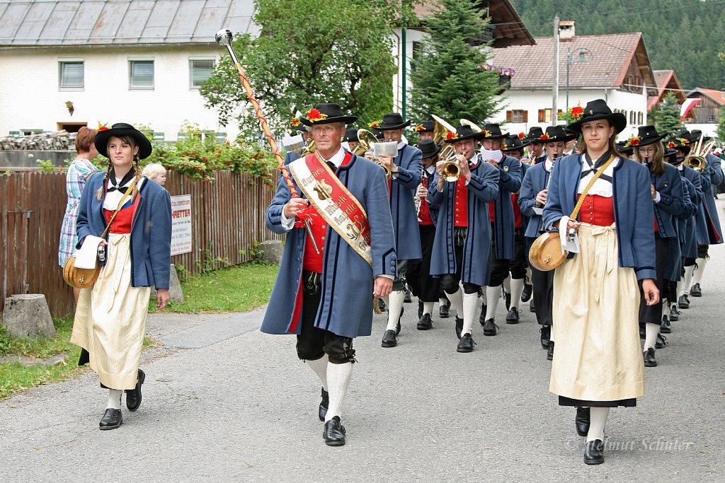 MK-Graen-beim-Bezirksmusikfest-in-Weissenbach-2010-217.jpg