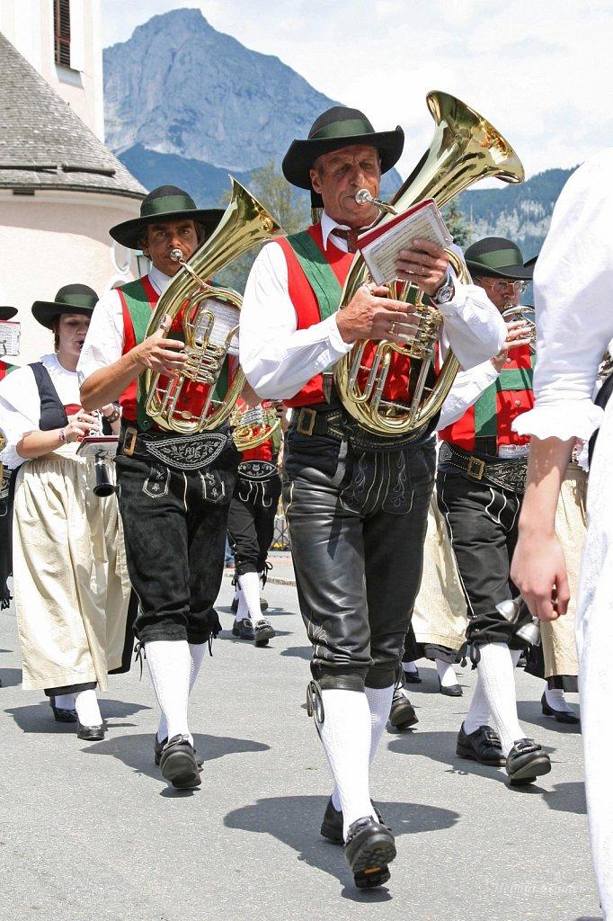 MK-Hochfilzen-beim-Bezirksmusikfest-in-Oberndorf-2009-IMG-8858.JPG