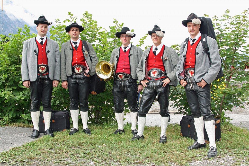 MK-Hoefen-beim-Bezirksmusikfest-in-Weissenbach-2010-033.jpg