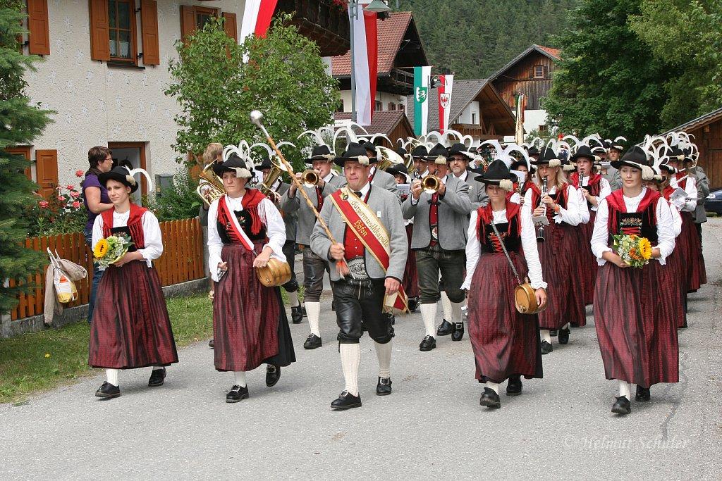 MK-Hoefen-beim-Bezirksmusikfest-in-Weissenbach-2010-321.jpg
