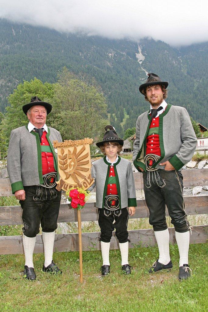MK-Jungholz-beim-Bezirksmusikfest-in-Weissenbach-2010-084.jpg