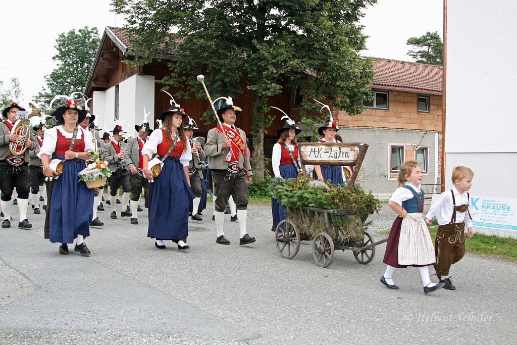 MK-Laehn-beim-Bezirksmusikfest-in-Weissenbach-2010-280.jpg