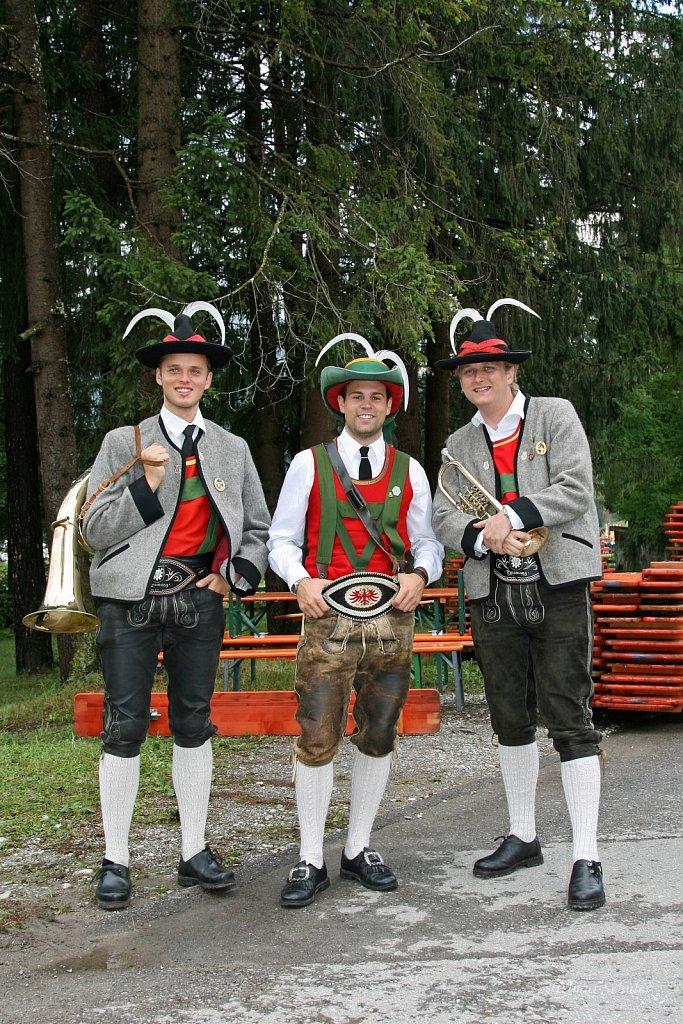 MK-Pinswang-beim-Bezirksmusikfest-in-Weissenbach-2010-014.jpg