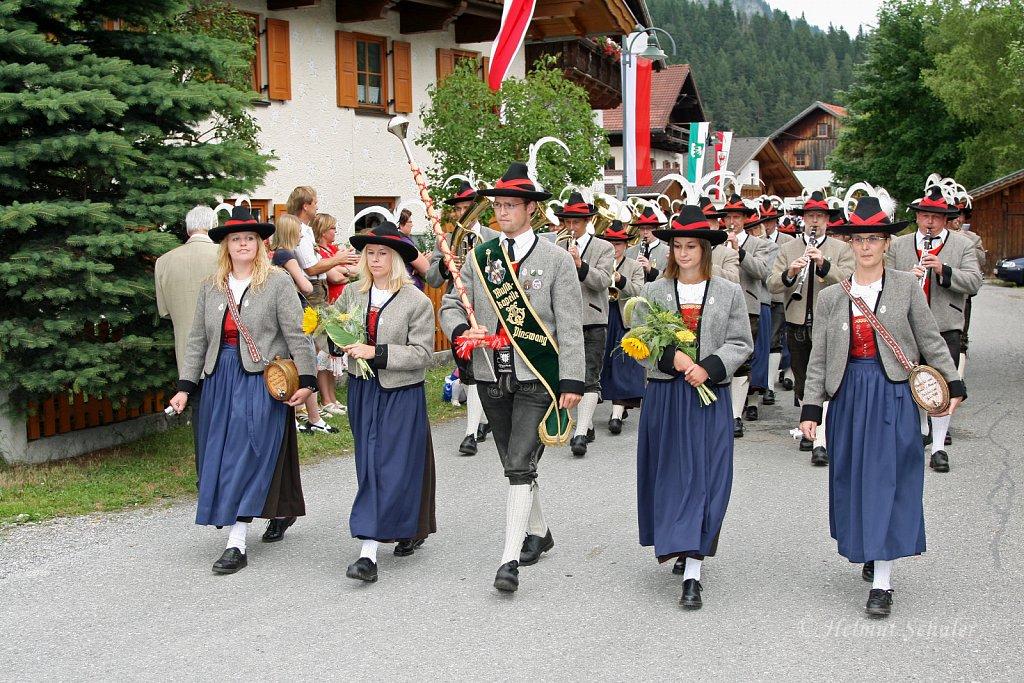 MK-Pinswang-beim-Bezirksmusikfest-in-Weissenbach-2010-285.jpg
