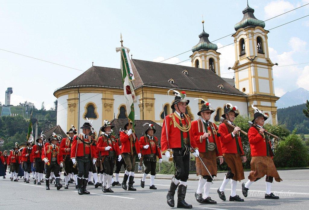 SK-Innsbruck-Wilten-bei-der-Eroeffnung-des-Wiltener-Platzls-2010-IMG-045.jpg
