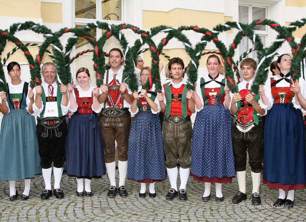 Volkstanzgruppe-in-Innsbruck-2008-IMG-3801.jpg
